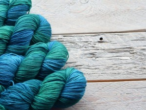 7 Advantages of Knitting with Acrylic Yarn